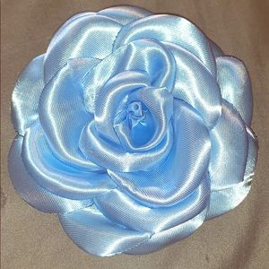 Flower pin/bow